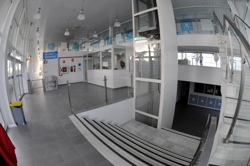 Piscina astilleros instituto municipal de deportes for Piscina ciudad de cadiz